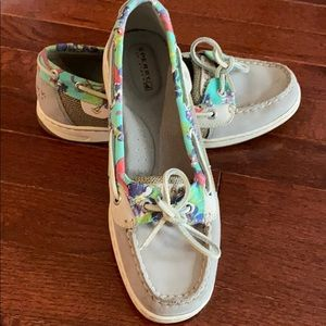Sperry shoes. Excellent condition!